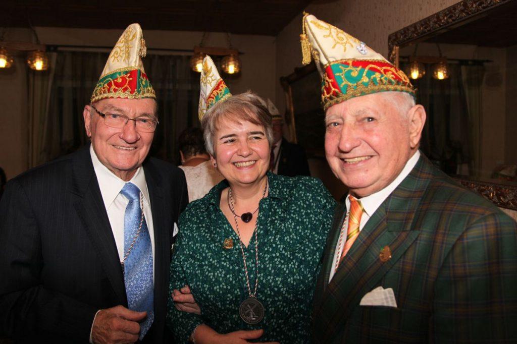 Unsere Ehrenmitglieder bei einem Ehrenabend vor einigen Jahren in unserer Ehrenhalle.