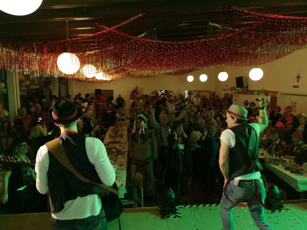 Die Oedingsche Jonges rocken den Saal auf der Kostümsitzung der 38er