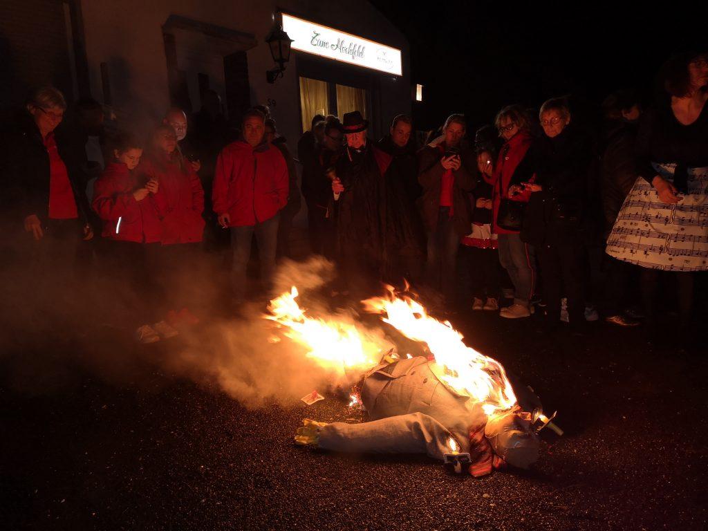 Der Hoppeditz wird verbrannt und auch für die 38er endet wieder die Session.