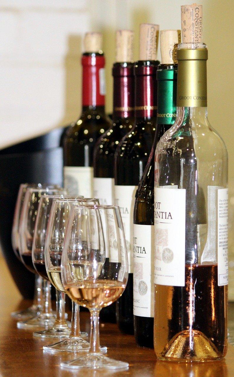 Skype-Weinprobe der 38er ein kleiner Erfolg gegen Corona